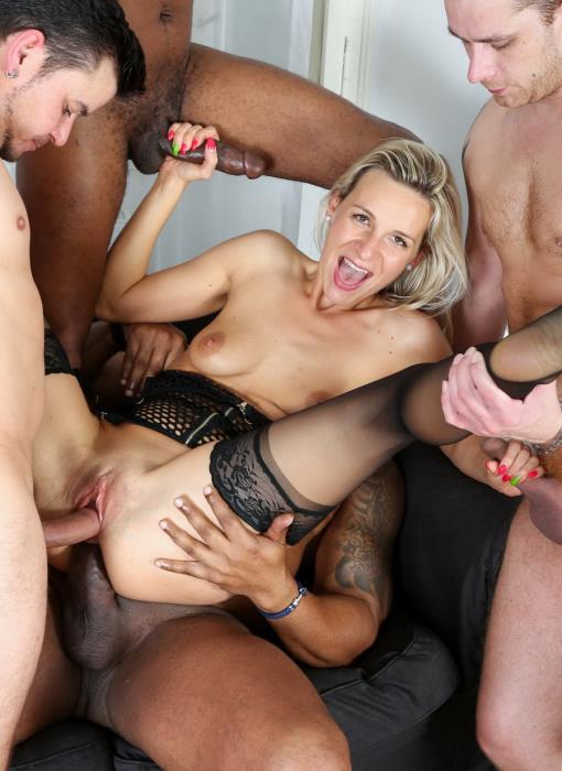 [LegalPorno] Bianca Ferrero - Intense Interracial Hardcore 5Some IV006 (2016) [HD 720p]