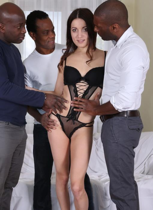 [LegalPorno] Roxy Dee - Roxy Dee Is New Gape Girl Who Decide To Get Her Ass Blacked IV062 (2017) [HD 720p]