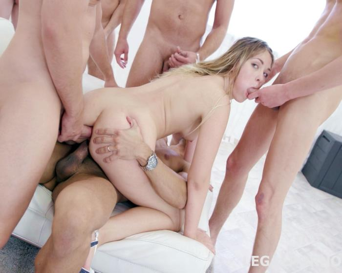 [LegalPorno] Selvaggia - 15 On 1 GangBang With Selvaggia Balls Deep Anal, DAP, TP, Gapes, Final DP, 17 Cumshots With Messy Facial And Swallow GIO453 (2017) [FullHD 1080p]