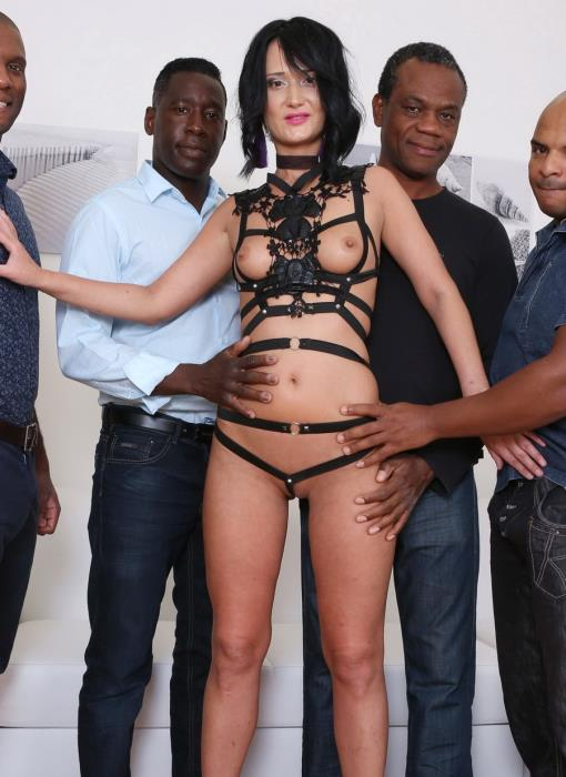 [LegalPorno] Angie Moon - Angie Moon Is Back To Face 4 Black Bulls And Receive Hardcore Double Anal IV111 (2017) [HD 720p]