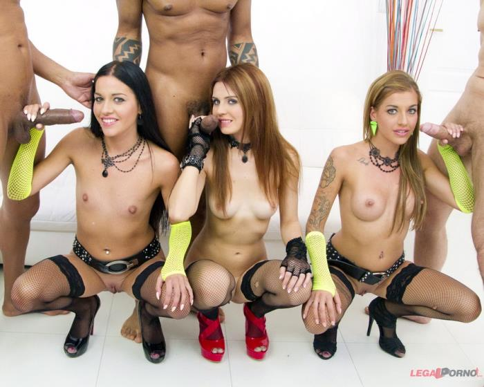 [LegalPorno] Timea Bella, Eveline Dellai, Silvia Dellai - Eveline Dellai And Sylvia Dellai Real Twins Assfucked Together With Timea Bella SZ1056 (2017) [HD 720p]