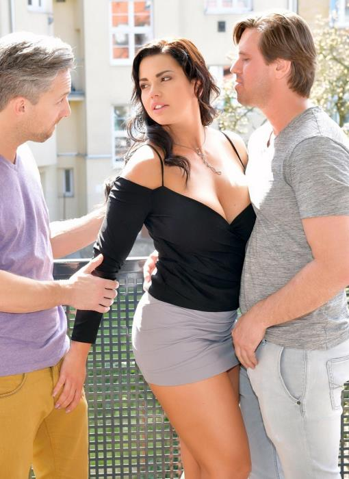 [LegalPorno] Chloe Lamour - Top-Heavy Porn Goddess Chloe Lamour DPed By Two Studs For Cum All Over Big Tits GP090 (2018) [HD 720p]
