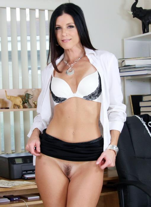 [LegalPorno] India Summer - Milf India Summer Loves Anal Sex Too MA071 (2019) [FullHD 1080p]