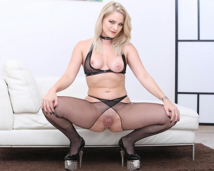 [LegalPorno] Lisey Sweet - Monsters Of TAP, Lisey Sweet Gets 4 On 1 With Balls Deep Anal And DAP, TAP, Dapes, Swallow GIO816 (2019) [FullHD 1080p]